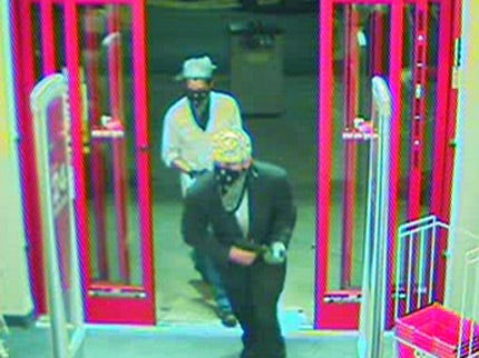 Robbers Take 32 Bottles Of Drugs From Tulsa Pharmacy