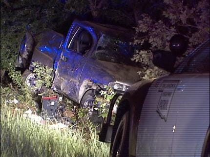 Long Police Pursuit Ends In Wreck Near Kellyville