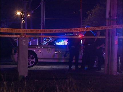 Despite Tulsa Police Nearby, Two Are Shot When Gunman Opens Fire