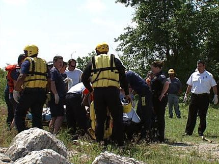 Kayaker Dies After Being Pulled From Arkansas River