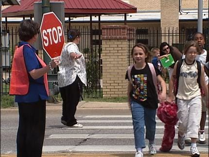 Tulsa Parents Say Reckless Drivers Making School Zone Dangerous