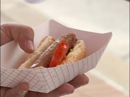 Tulsa Vendor Serves Up 'Hot Diggitty Dogs'