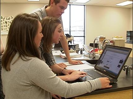 Claremore Students Receive Hands-On Learning Through Biomedical Program