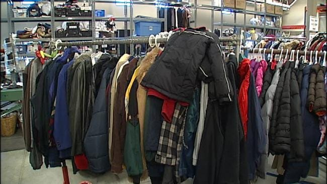 Wal-Mart Teams Up With News On 6 For 'Coats For Kids'