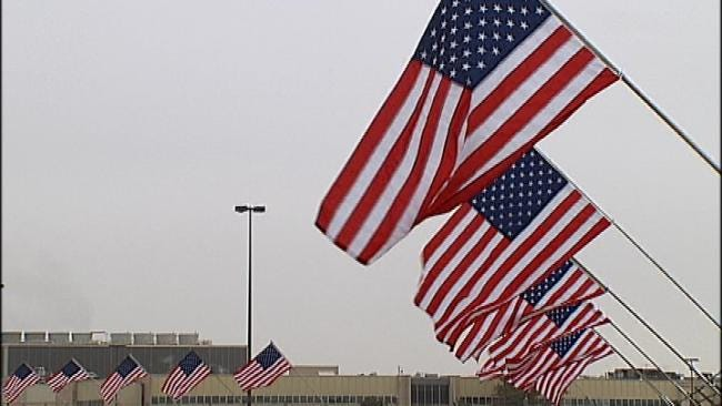 Tulsa's American Airlines Honors Veterans With Flag Display
