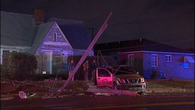 Tulsa Wreck Chops Utility Pole In Half