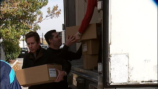 Oklahoma Lawyers Provide Thanksgiving Meals To Tulsans In Need