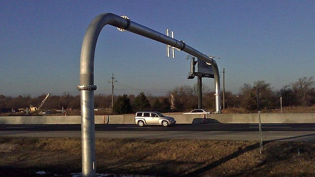 Invasion Of The Monotubes: ODOT Brings New Type Of Sign Structure To Oklahoma