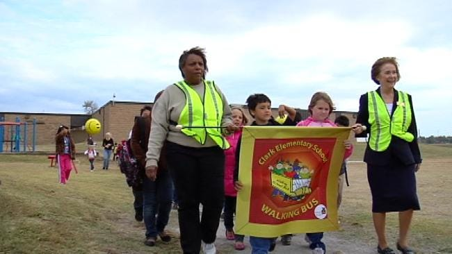 'Walking Bus' Helps Keep Tulsa Elementary Students Safe