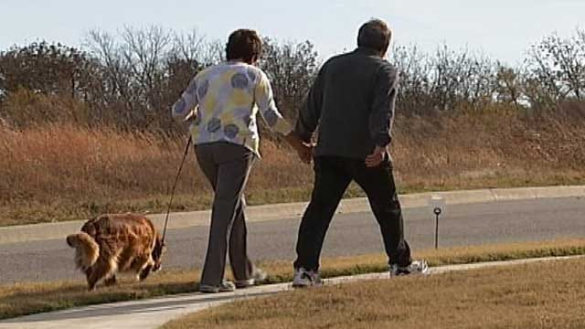 Jenks Couple Won't 'Give Up' Alzheimer's Fight