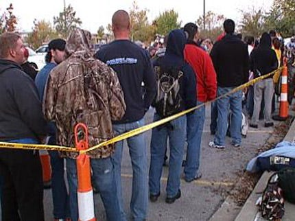 Hundreds Show Up To Apply For Tulsa Firefighter Jobs