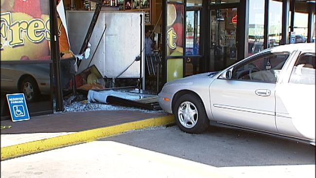 Car Crashes Into Tulsa Braum's Store