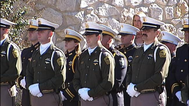 Hundreds Pack Sand Springs Church To Remember Fallen OHP Trooper