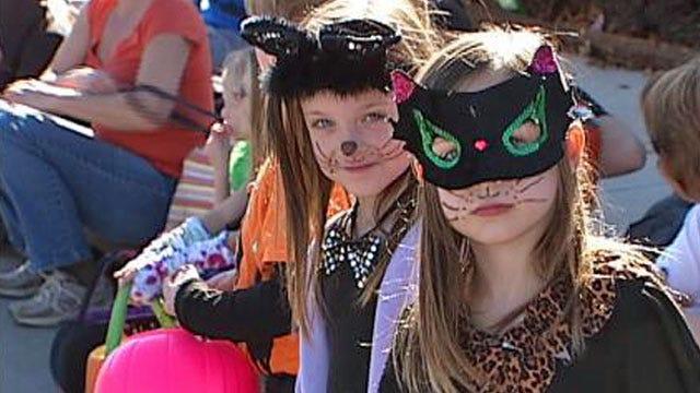 Tulsa Brookside Halloween Fun Starts Early Saturday, Parade At 2