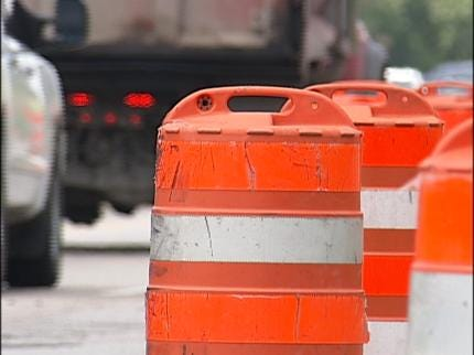 Traffic To Narrow On South Lewis In Tulsa