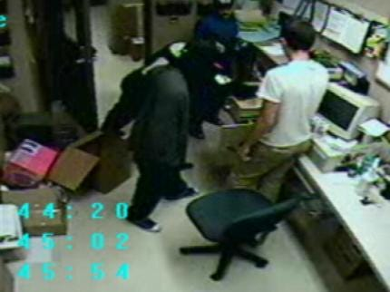 Tulsa Robbery Detectives Give Pharmacies Prescription For Protection