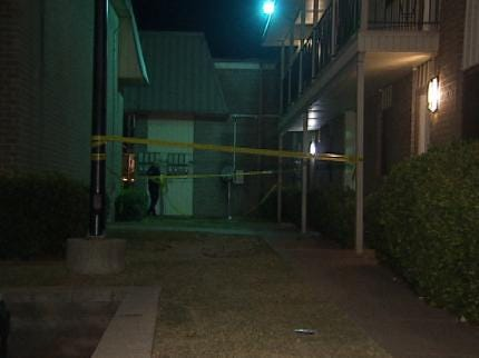 Man Stabbed Multiple Times At East Tulsa Apartment Complex