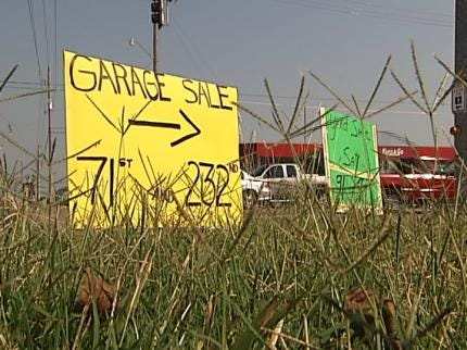 Residents Volunteer To Remove Illegal Signs In Broken Arrow