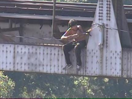 Watch As Tulsa Rape Suspect Is Arrested After Falling Into Verdigris River
