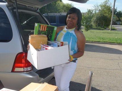Tulsa Verizon Employees Donate School Supplies To 2 Tulsa Schools