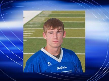Sapulpa High School Football Team Honors Player Killed In Crash