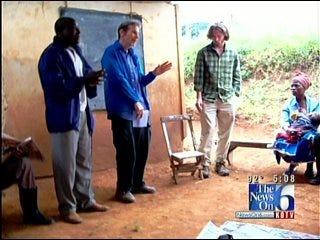 Tulsan Teaches Beekeeping to Help Program in Uganda