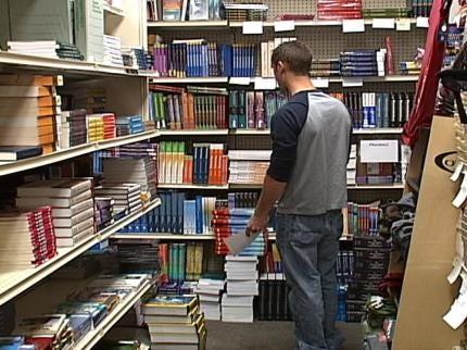 Tulsa College Students Looking At e-Textbooks Verses Standard Textbooks