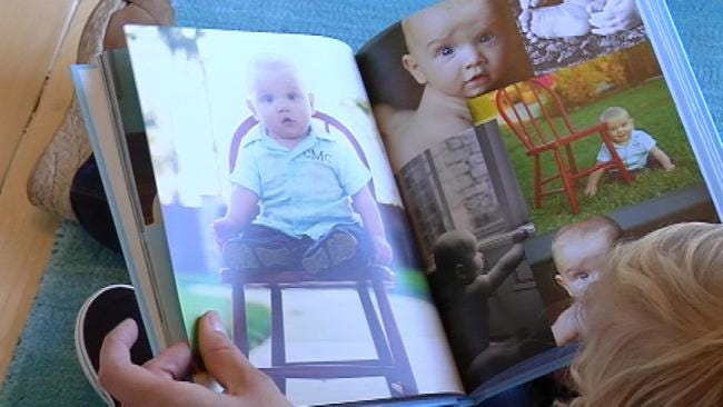 Oklahoma Mom Combines Love Of Scrapbooking And Photography