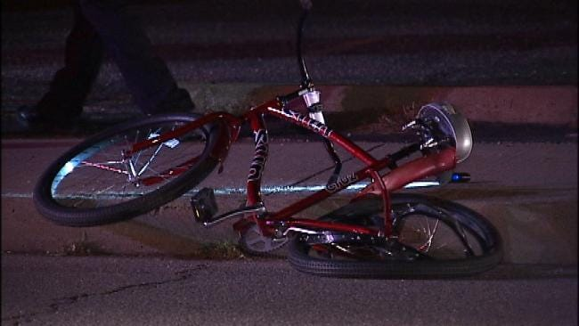 Tulsa Police Search For Hit-And-Run Suspect After Finding Man In Street