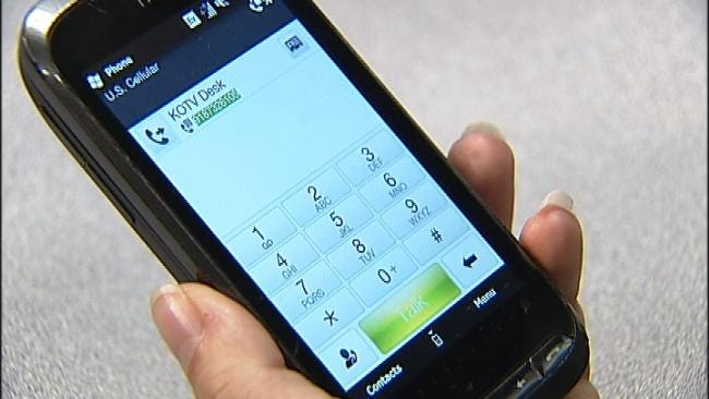 Oklahomans In Top 10 For Exclusive Cell Phone Use