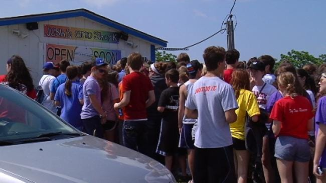 Dozens Camp Out For Start Of Tulsa Sno Cone Season
