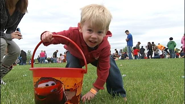 Helicopter Egg Drop Brought Out Hundreds In Owasso