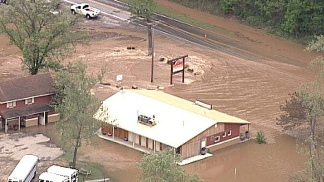 Illinois River Resort Begins Cleanup After Flooding