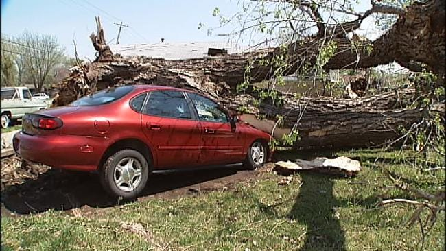 Downburst Causes Damage, Power Outages In Ponca City