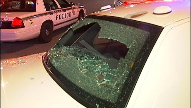 Man Breaks Tulsa Police Car Window With His Head