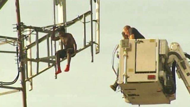 Man On Tulsa Tower Refuses Rescue Efforts
