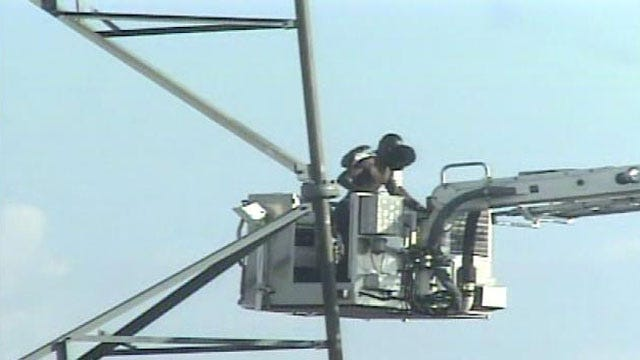 Tulsa Tower Standoff Ends After Man Surrenders