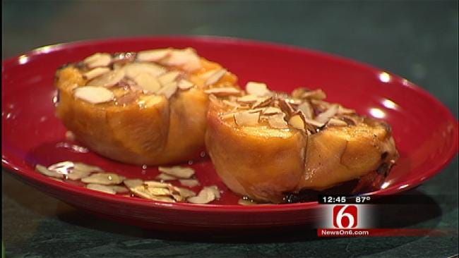 Grilled Peaches with Almonds and Honey
