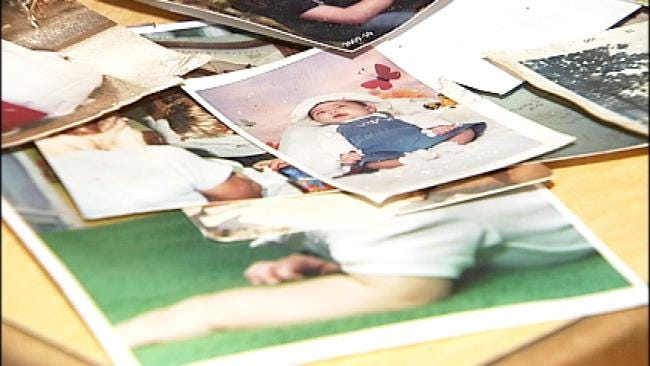 Pryor Woman Helping Joplin Tornado Victims Recover Lost Pictures