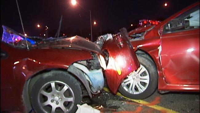 1 Killed, 1 Injured In Tulsa I-244 Crash