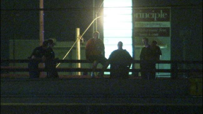 Tulsa Police Talk Man Off Bridge Overpass Early Tuesday