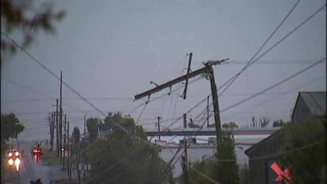 Over a Thousand Green Country Residents Still Without Power Sunday
