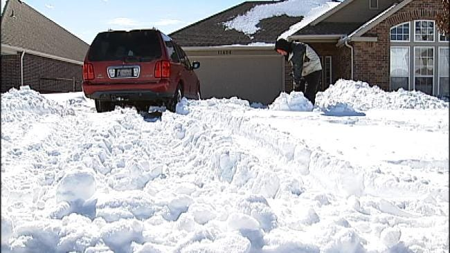 Owasso Trying To Dig Out From More Than 20 Inches Of Snow