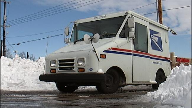 Postal Workers Resume Some Mail Routes Thursday