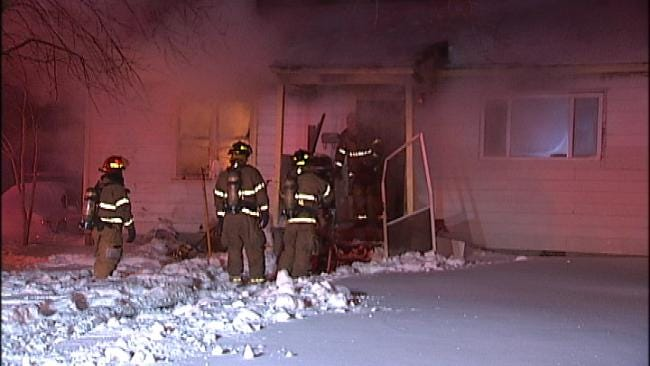 Tulsa Resident Tries To Put Out House Fire With Snow