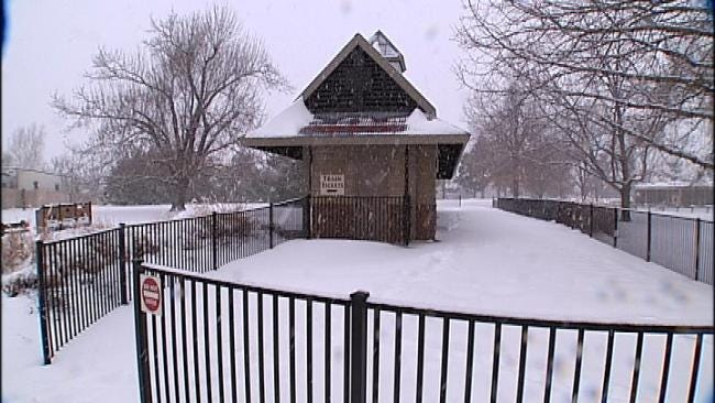 Tulsa Zookeepers Work To Keep Animals Warm In Winter Storm