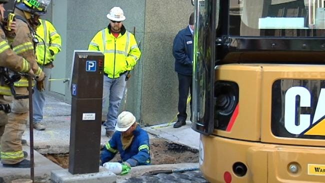 Natural Gas Leak Shuts Section Of Downtown Tulsa