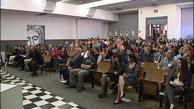 News On 6 Anchor Helps Honor Oklahoma Teachers