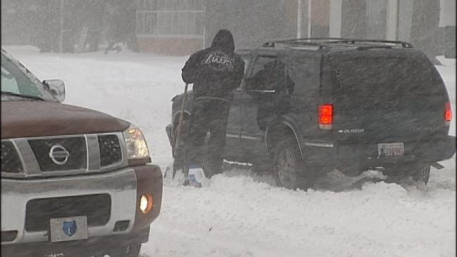 Dozens Show Up At Tulsa Red Cross Stranded Motorists Shelters