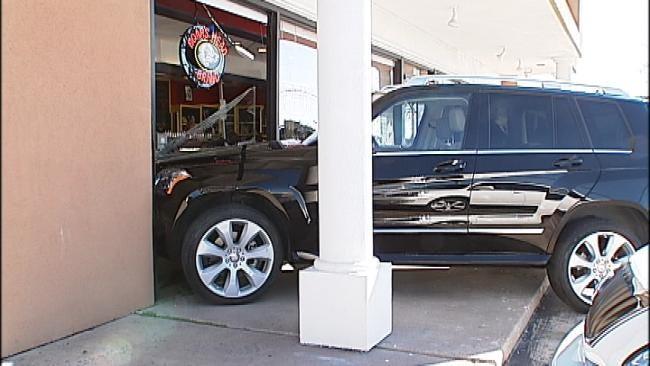 Elderly Man Crashes SUV Into Tulsa Restaurant